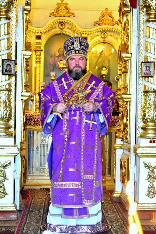 Божественная литургия в кафедральном соборе Архангела Михаила г. Балашова