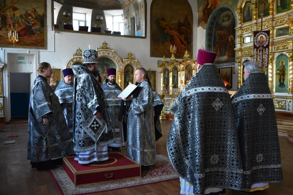 Литургия Преждеосвященных Даров в кафедральном соборе Архангела Михаила г. Балашова