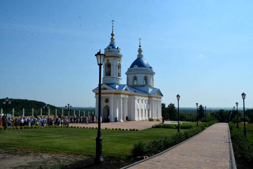 старинный храм в селе Чириково Турковского района
