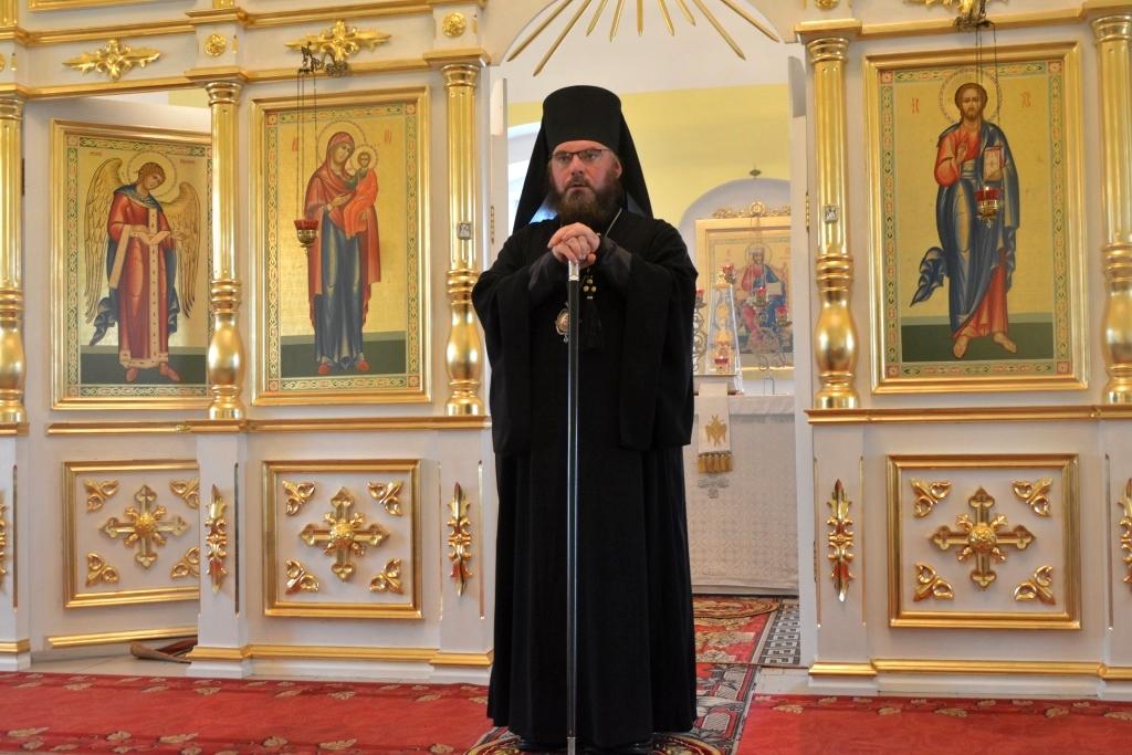 Божественная литургия в храме в честь Архангела Михаила с. Красная Звезда Ртищевского района